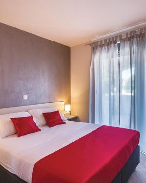 Three-Bedroom Apartment in Pjescana Uvala
